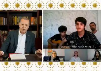 Erdoğan, YKS'ye girecek öğrenciler ile türkü söyledi