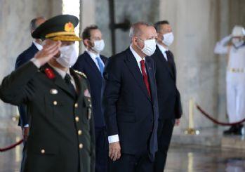 Erdoğan: TSK kem gözlere karşı vatanımızın güvenliği ve bekasının teminatı olmayı sürdürüyor