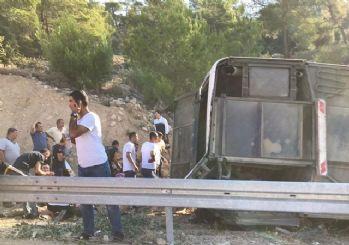 Mersin Valiliği: Askerleri taşıyan otobüs devrildi, 5 asker şehit