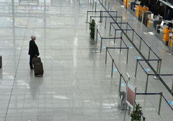 Havalimanında yaşlı kadının bagajından eşinin kemikleri çıktı