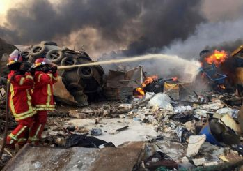 Lübnan'ın başkenti Beyrut'ta büyük patlama! İşte patlama anı
