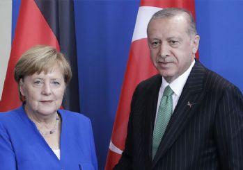 Merkel 'Yeni gerginlikler yaşanmasın' dedi, Erdoğan 'Onu Miçotakis'le görüşün' dedi
