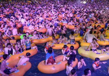 Çin Vuhan'daki havuz partisini savundu: Sıkı tedbirlerin olumlu geri dönüşleri