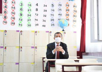 Yeni eğitim-öğretim yılı uzaktan eğitimle başladı: İlk ders zilini Bakan Selçuk çaldı