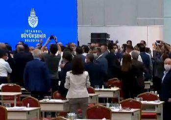 İBB Meclisi'nde kavga çıktı!