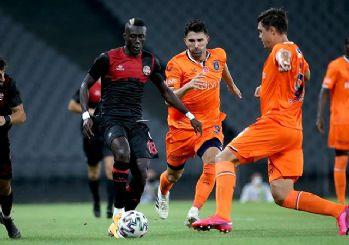 Son Şampiyon Medipol Başakşehir galibiyeti unuttu! 2-0
