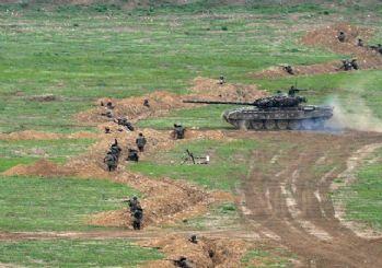 Azerbaycan: Ermenistan'a ait 4 tankı vurduk