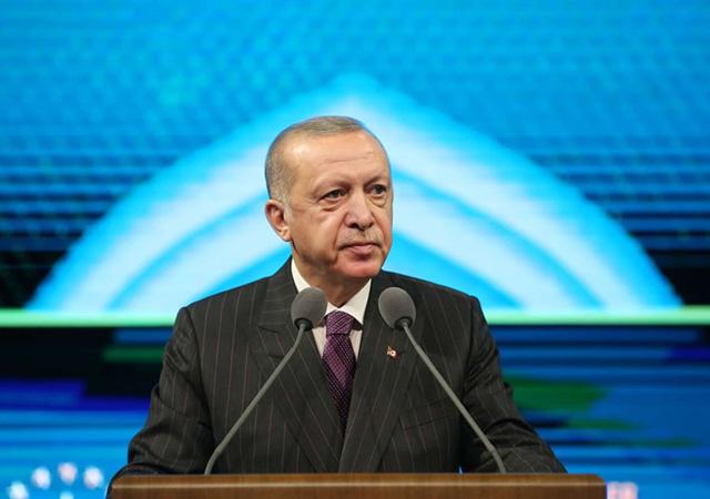 Erdoğan: Macron'un başını çektiği girişim pasif, pısırık bir Müslüman profil hedefliyor