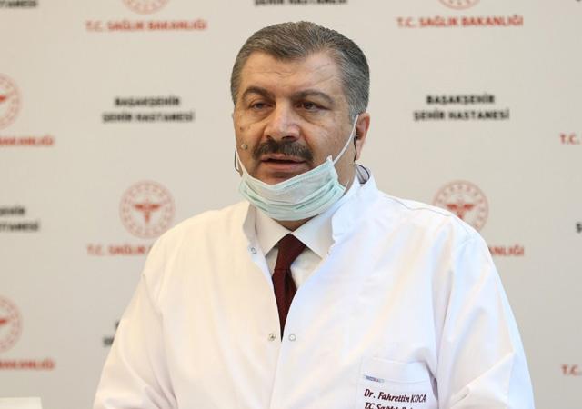 Bakan Koca duyurdu: 12 bin sağlık personeli alınacak