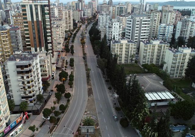 Sokağa çıkma kısıtlamasıyla, Türkiye'yi sessizlik sardı