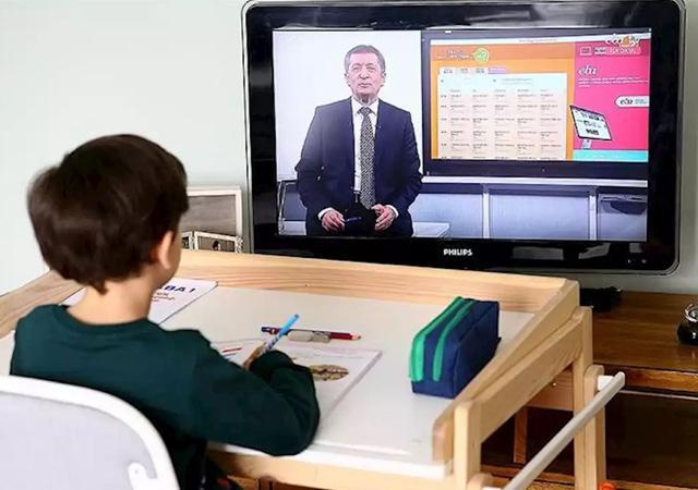 MEB'den uzaktan eğitim, sınavlar ve yarıyıl takvimine yönelik açıklama