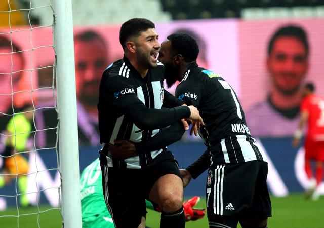 Beşiktaş, Sivas'ı farklı yendi! 3-0