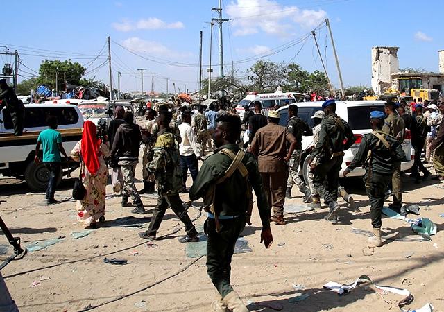 Somali'de büyük patlama! Mogadişu'da otele saldırı