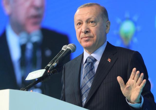 Cumhurbaşkanı Erdoğan, Berat Albayrak'tan övgülerle bahsetti