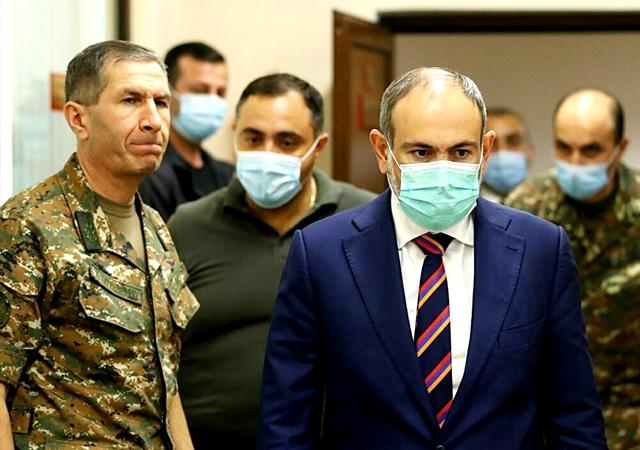 Ermenistan'da darbe girişimi! Ordu Paşinyan'a istifa çağrısını yineledi