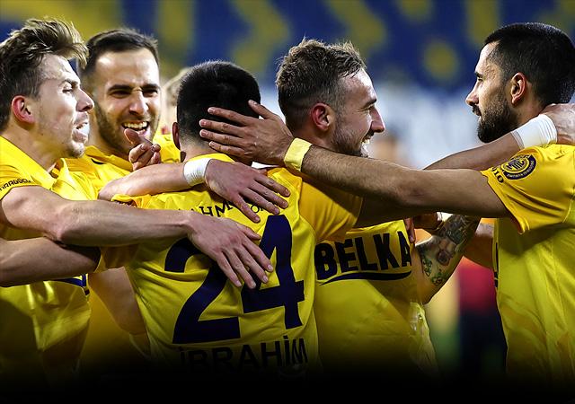 Galatasaray Ankara'da ağır yaralı 2-1