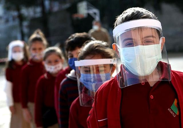 Bakan Selçuk açıkladı: 2 Temmuz'a kadar okullar açık ara tatil yok