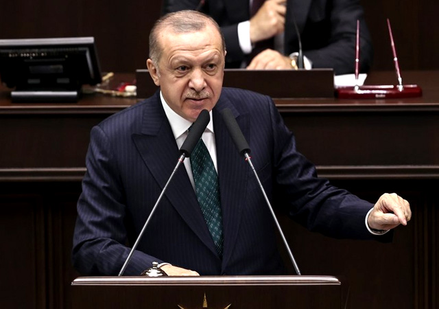 Erdoğan: Bildiri buram buram darbe kokuyor