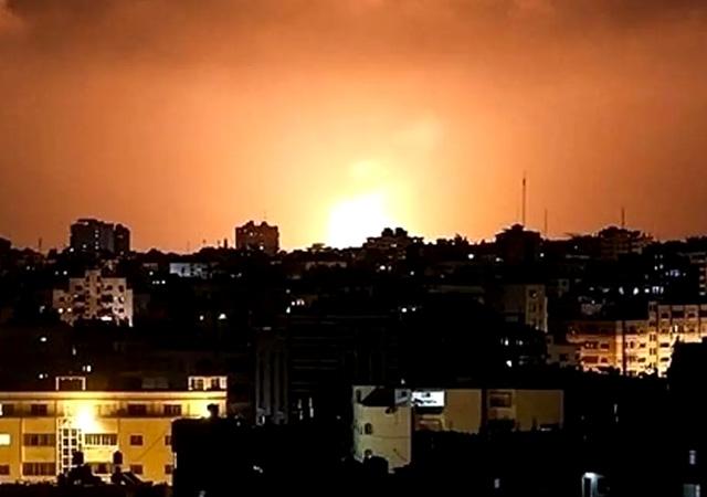 Rusya'dan Suriye'de kanlı saldırı: 200 kişi hayatını kaybetti