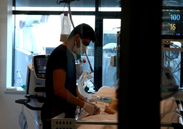 Türkiye'de corona virüsten son 24 saatte 373 can kaybı, 28 bin 817 yeni vaka 1 mayıs 2021