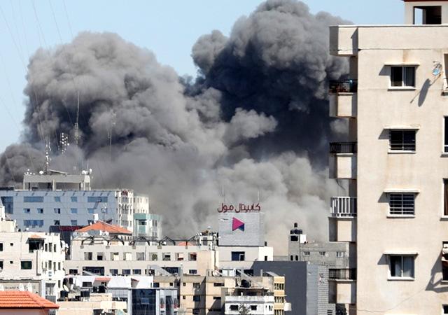 İsrail, Gazze'de medya binasını bombaladı! Associated Press ve Al Jazeera...