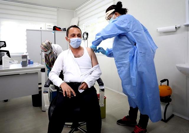Aşılamada rekor: Bir günde 1 milyon doz aşı yapıldı