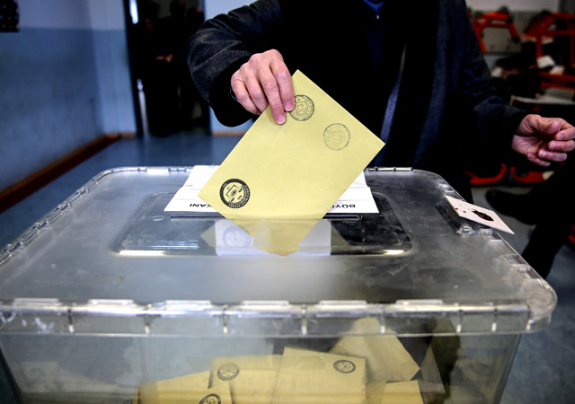 CHP'den ilginç seçim teklifi: Oy kullanma online olsun