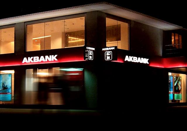 Akbank hacklendi mi? ATM'ler hizmet vermeye başladı