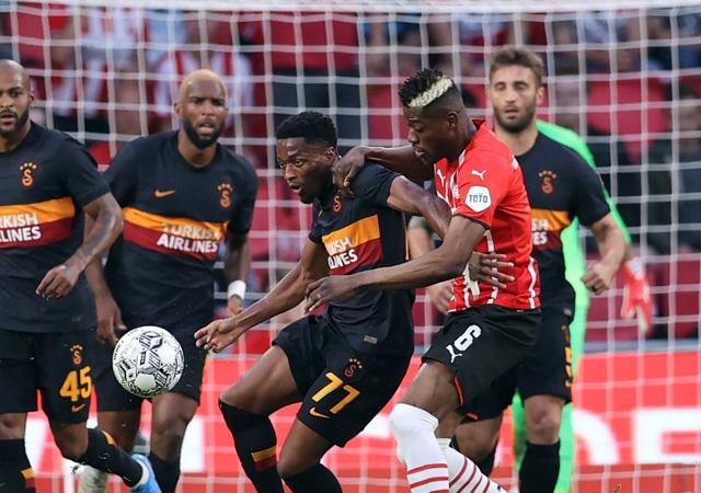 Galatasaray, PSV'ye farklı yenildi! 5-1