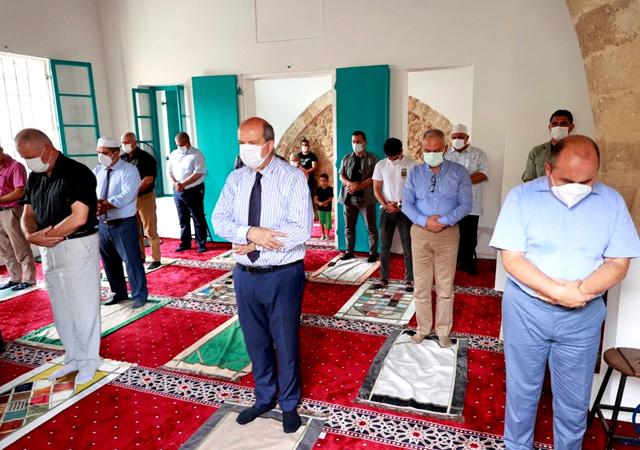 Kapalı Maraş'taki Bilal Ağa Mescidi'nde 47 yıl sonra ilk cuma namazı