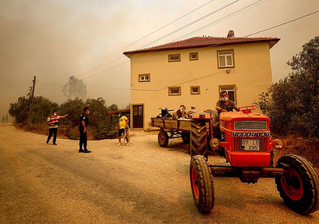 Antalya Manavgat'ta büyük yangın