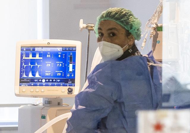 Türkiye'de corona virüsten son 24 saatte 101 can kaybı, 23 bin 957 yeni vaka 6 Ağustos 2021