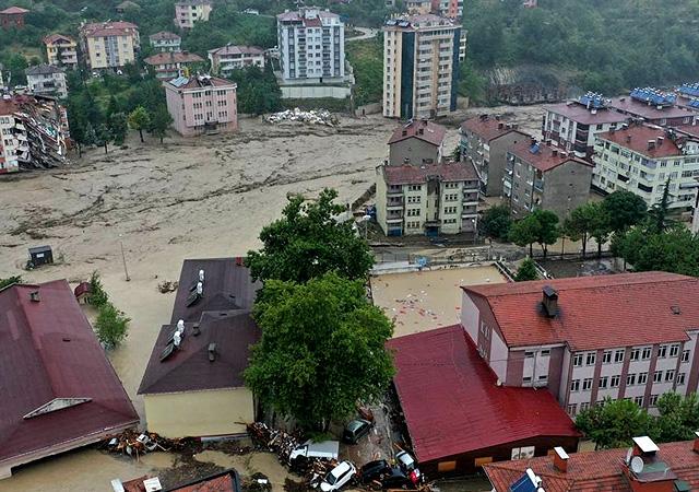 Bakanlıktan 3 il için kritik sel uyarısı: Güvenli bölgeler terk edilmemeli