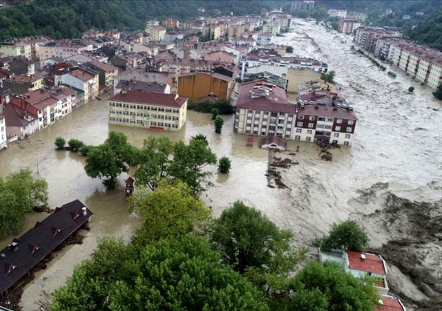 Batı Karadeniz'de sel: Kastamonu'da 5 kişi hayatını kaybetti, Bartın'da bir kişi kayıp