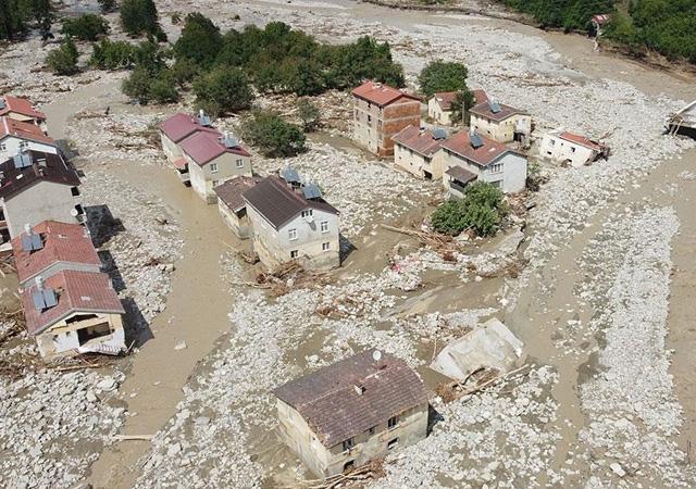 Sel felaketinde can kaybı 58'e yükseldi