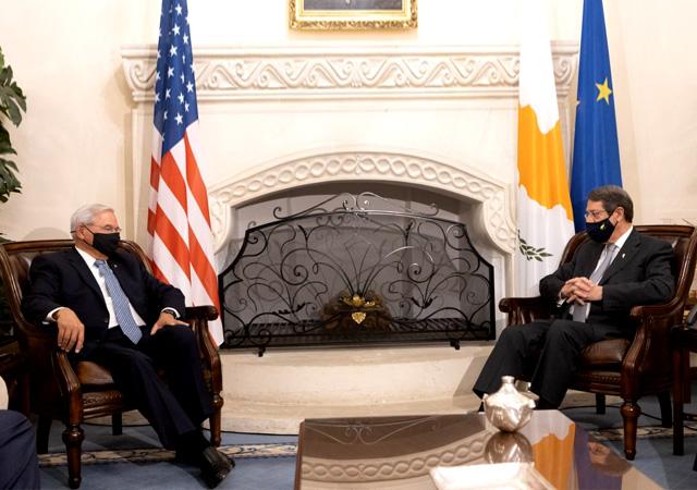 ABD'li Senatör'den skandal sözler: Türk askerinin Kıbrıs'tan ayrılmasını istiyoruz