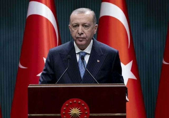 Erdoğan'dan Yunanistan'a mülteci tepkisi: Sığınmacılara kapanan kapı FETÖ'cülere açıldı!
