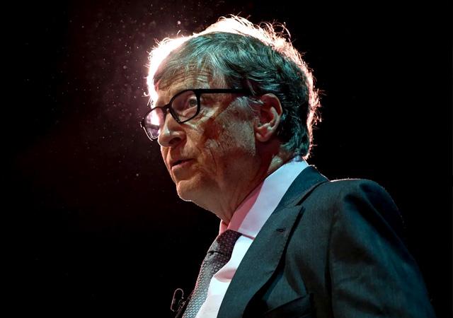 Bill Gates: Devasa mRNA aşı fabrikaları kuracağız