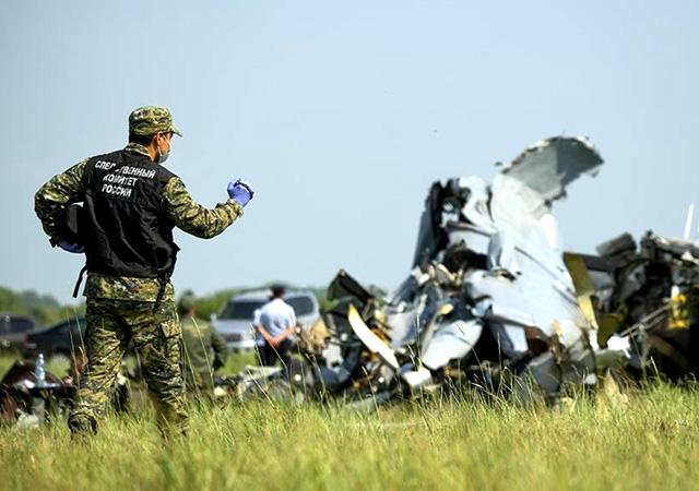 Tataristan'da uçak düştü: 16 kişi hayatını kaybetti