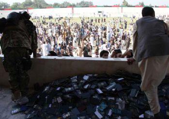 Afganistan'da vize için toplanan kalabalıkta izdiham: 11 kadın öldü