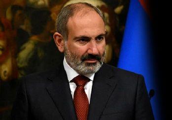 Paşinyan: Tüm Ermenilerin silahla savaşması gerekiyor
