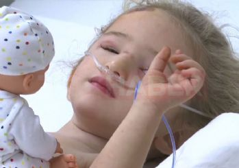 65 saat sonra enkazdan kurtarılan Elif Perinçek'in hastaneden ilk görüntüsü