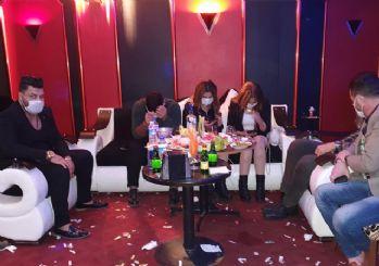 Adana'da eğlence yerlerine koronavirüs baskını: 25 kişiye para cezası