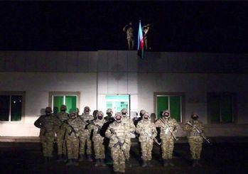Azerbaycan ordusu 28 yıl sonra Laçin'e bayrak dikti