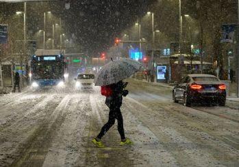 Koronadan sonra İspanya kar fırtınasına teslim oldu