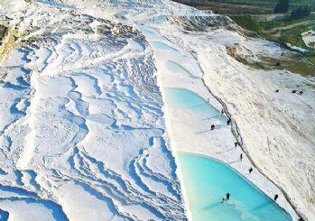 Beyaz cennet Pamukkale'ye ziyaretçi akını