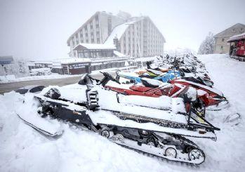 Uludağ'da hasret sona erdi! Kar kalınlığı 40 santimetreye ulaştı
