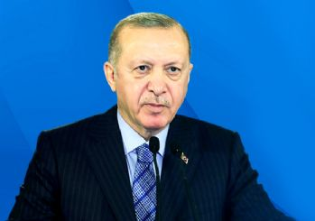 Erdoğan: Gençliğimizi LGBT gençliği değil şanlı tarihimizdeki gençlik ileri taşıyacağız