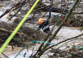 İzmir'deki sel felaketinden acı haber: 2 kişi hayatını kaybetti!
