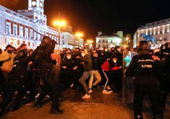 Ünlü Rapçi tutuklandı, İspanya karıştı: 44 gözaltı, 30'dan fazla yaralı